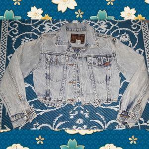 Super cute Vintage Jordache Denim jacket w/bows
